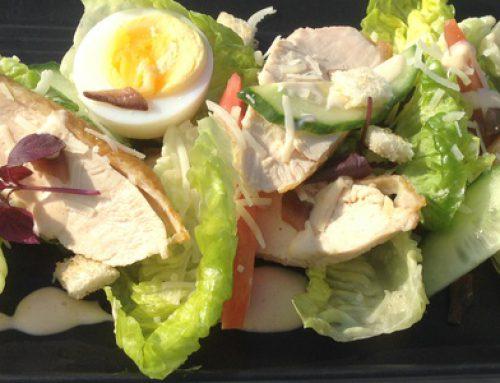 Caesar salade met gegrilde kipfilet